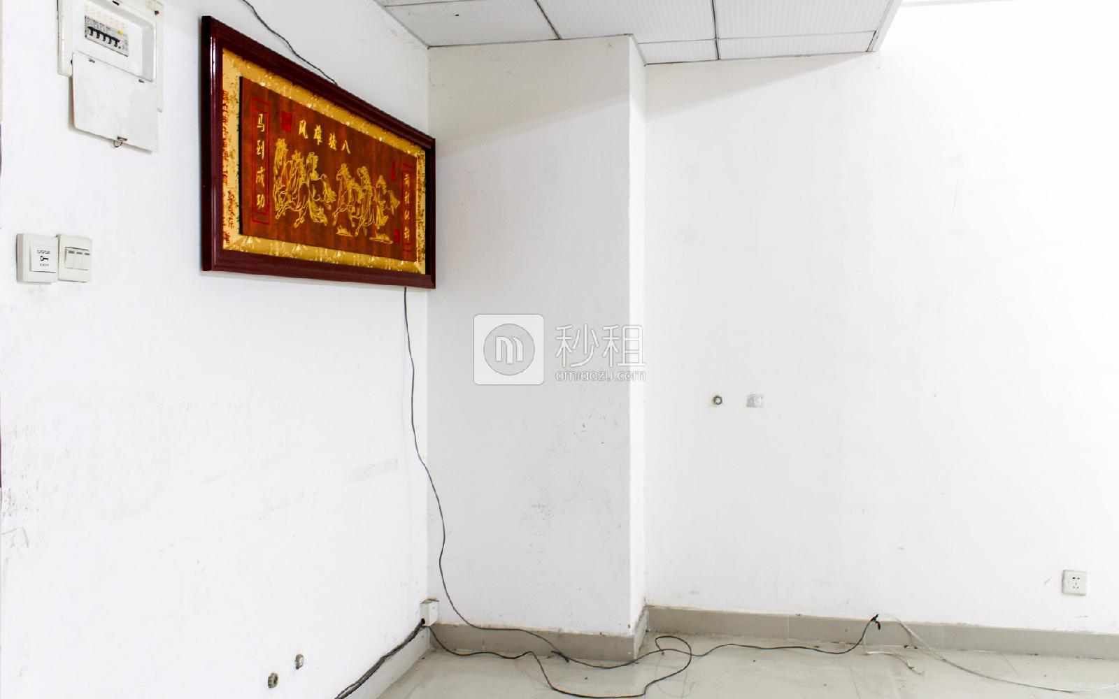 民泰大厦写字楼出租65平米简装办公室75元/m².月