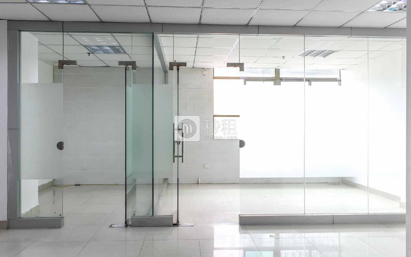 鸿华中心写字楼出租86平米精装办公室70元/m².月