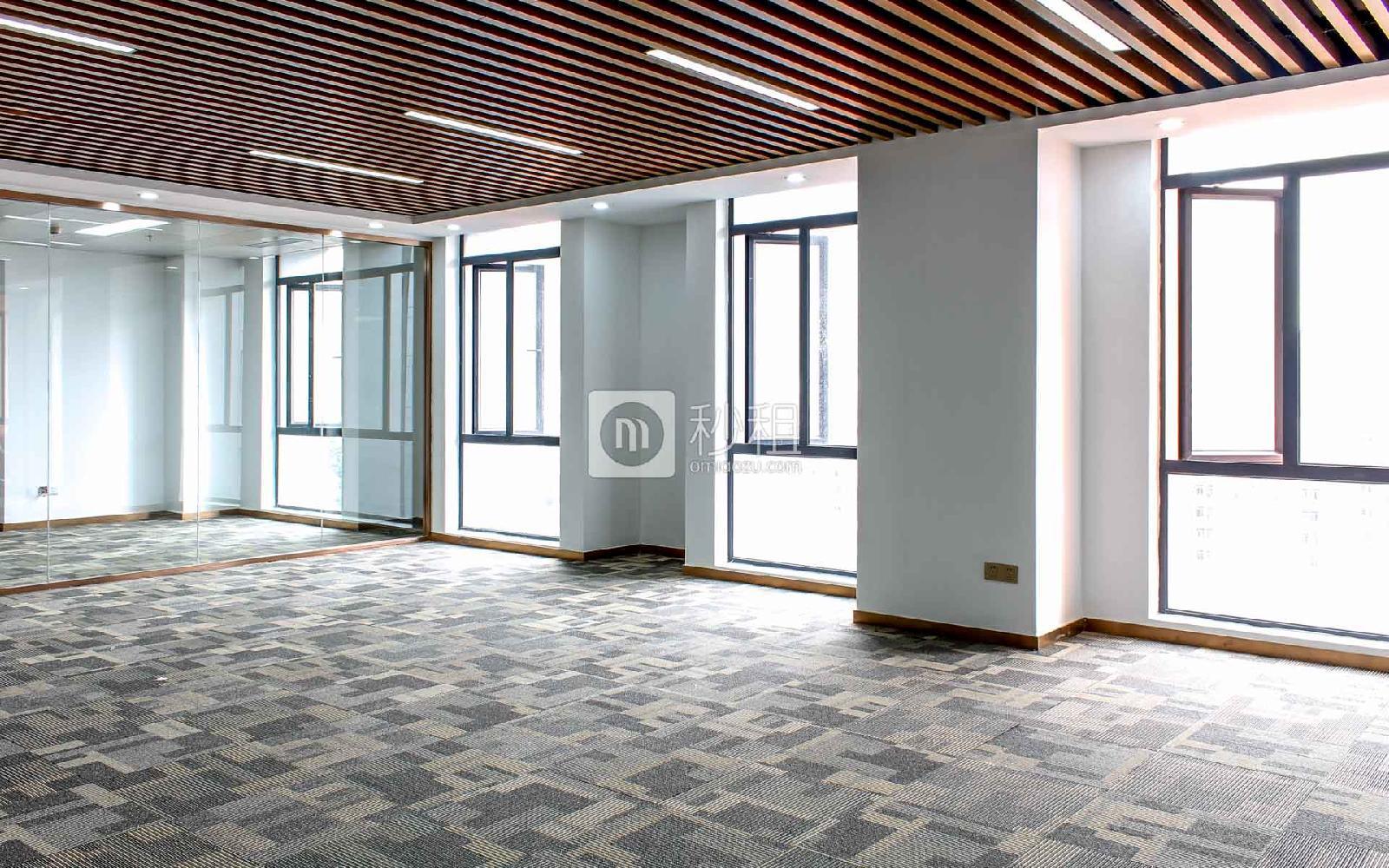 花样年美年广场写字楼出租243平米精装办公室108元/m².月