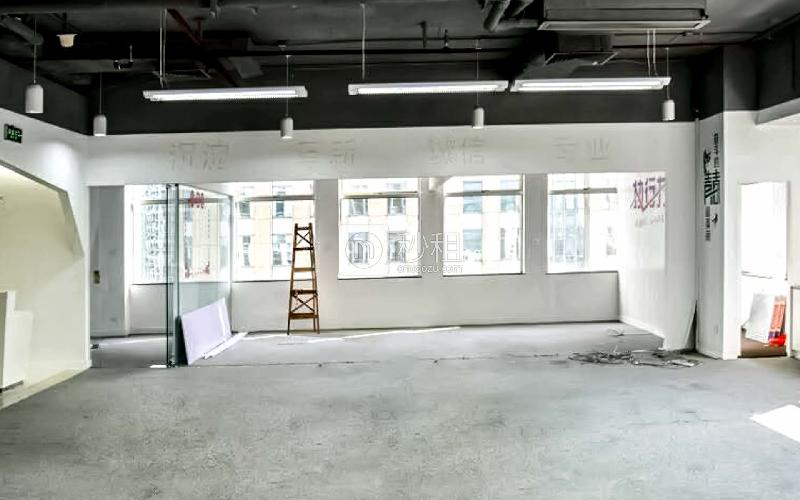 航天大厦写字楼出租326平米精装办公室231元/m².月