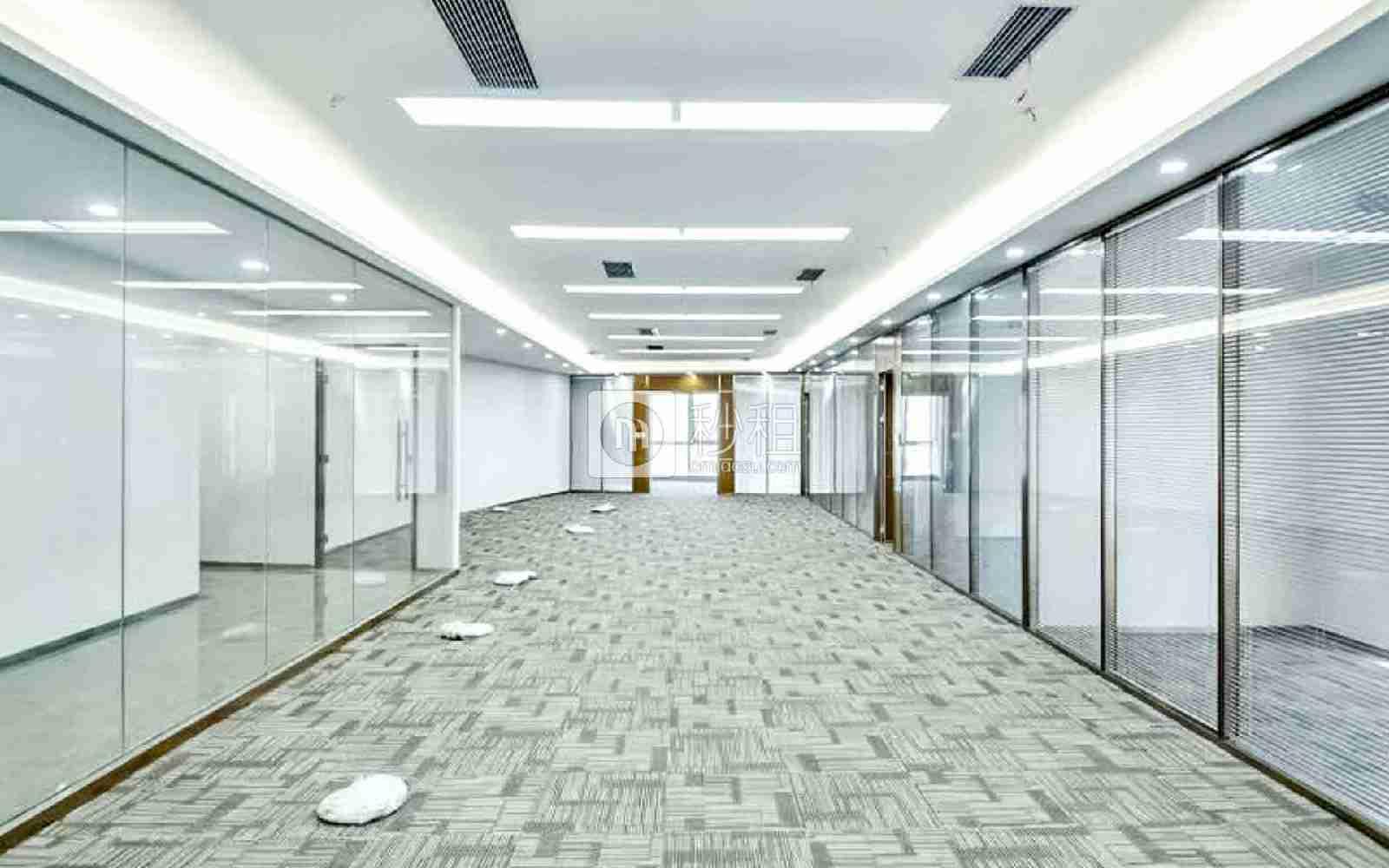 华润城大冲商务中心写字楼出租692平米精装办公室178元/m².月
