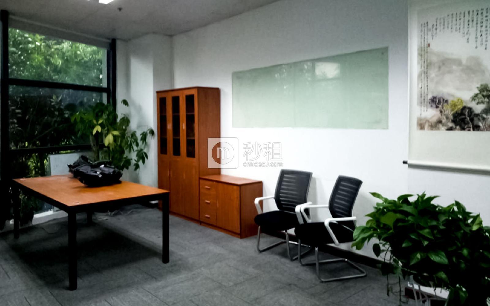 国人通信大厦写字楼出租318平米精装办公室110元/m².月