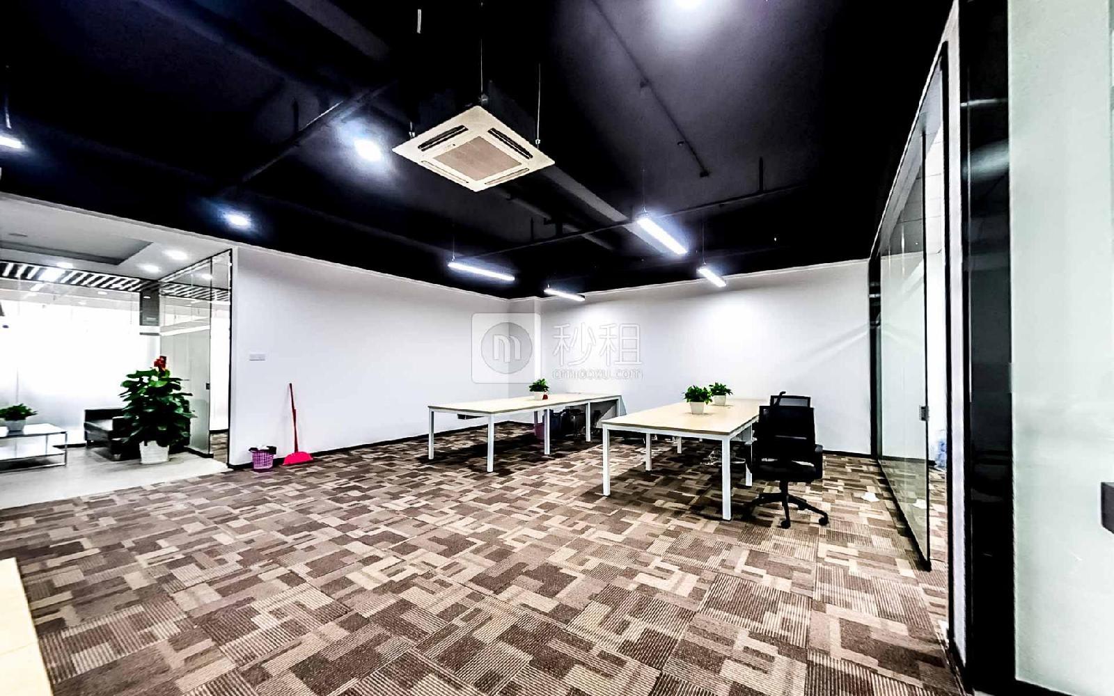 坂田国际中心-优渡空间写字楼出租209平米豪装办公室65元/m².月