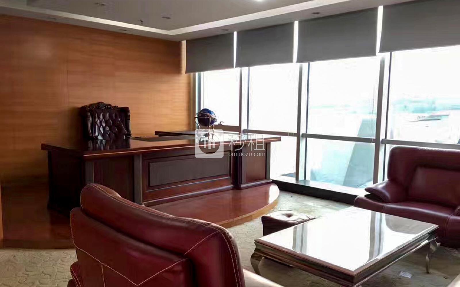 荣超经贸中心写字楼出租311平米精装办公室240元/m².月