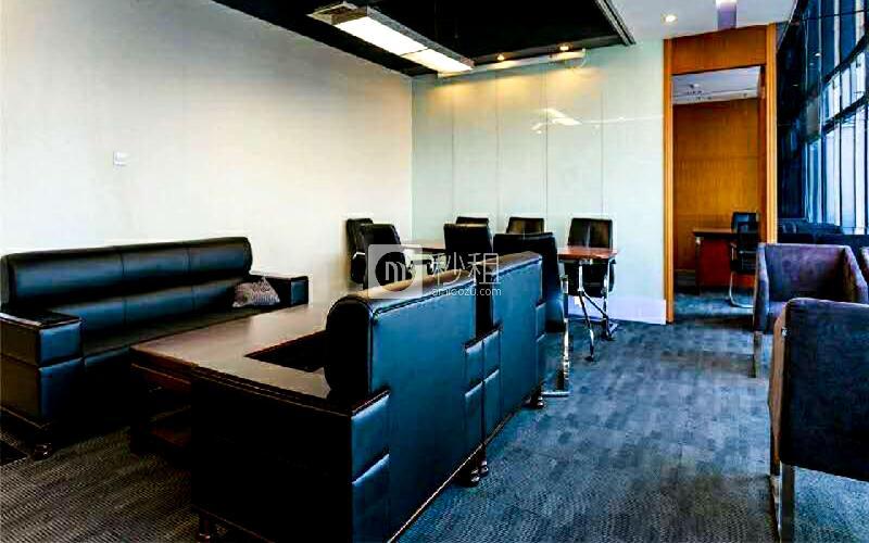 美兰国际商务中心写字楼出租168平米豪装办公室90元/m².月