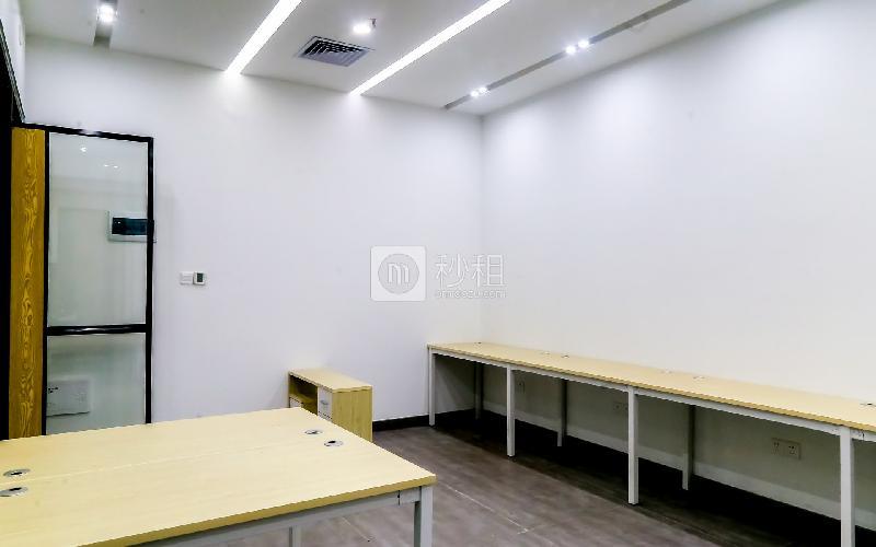 硅谷大院写字楼出租13平米精装办公室1900元/间.月