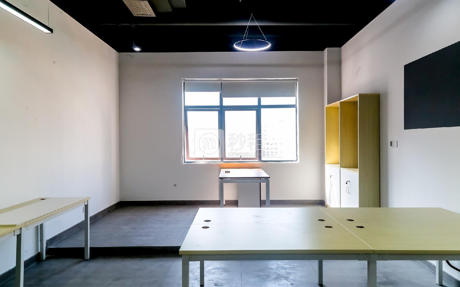硅谷大院写字楼出租21平米精装办公室2980元/间.月