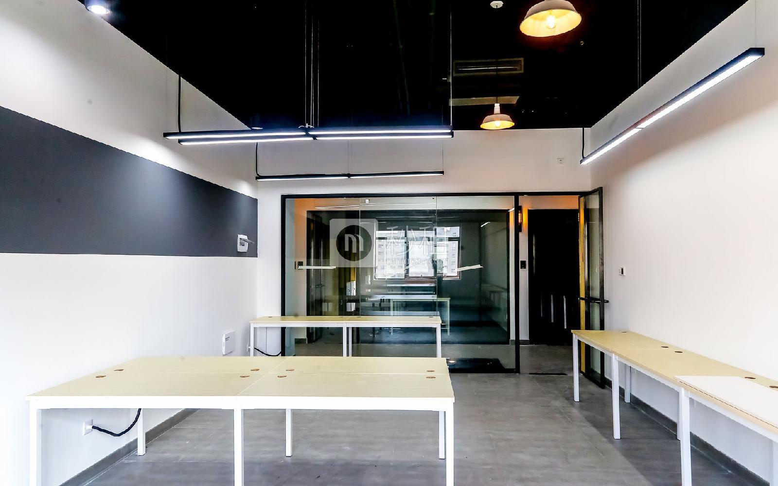 硅谷大院写字楼出租33平米精装办公室4680元/间.月
