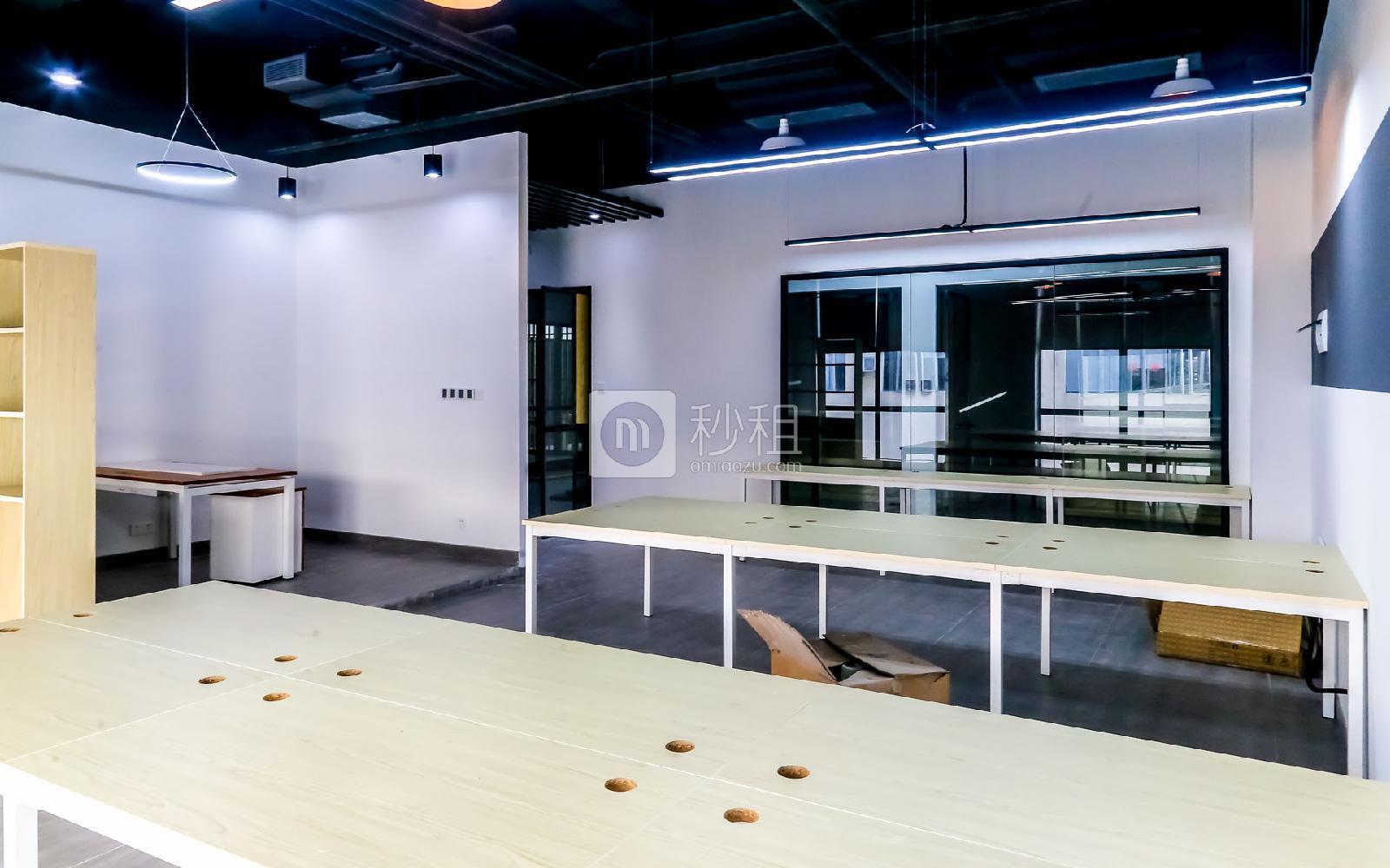 硅谷大院写字楼出租64平米精装办公室8080元/间.月