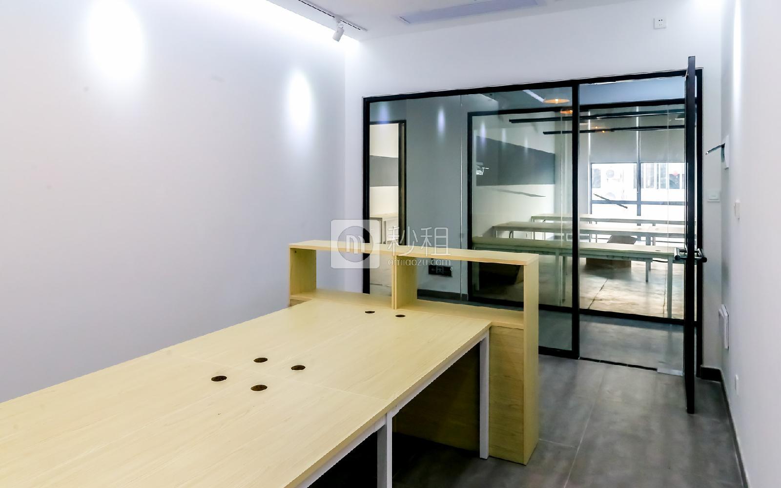 硅谷大院写字楼出租22平米精装办公室3180元/间.月