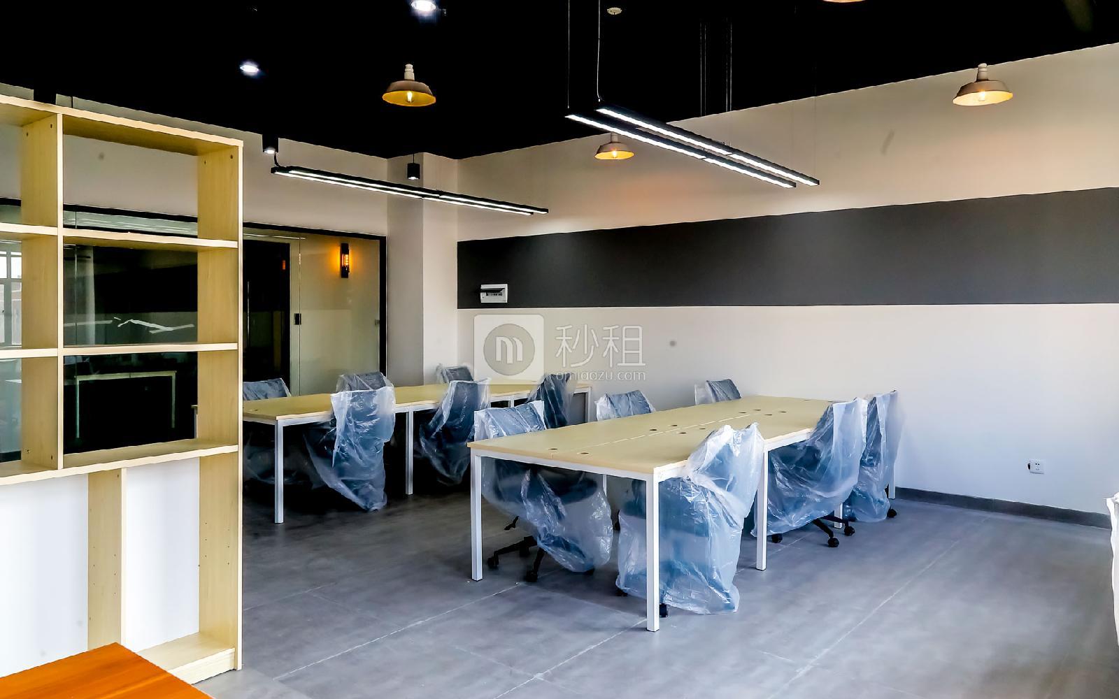 硅谷大院写字楼出租123平米精装办公室15480元/间.月