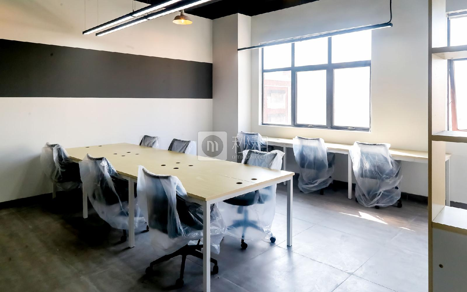 硅谷大院写字楼出租123平米精装办公室15380元/间.月