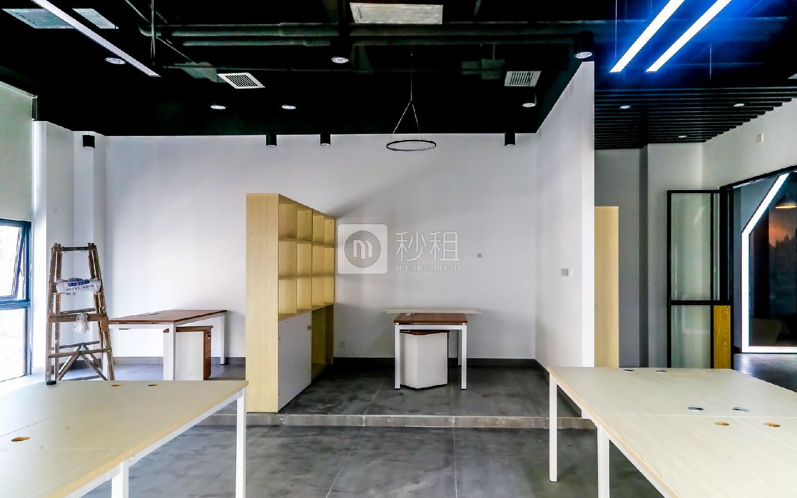 硅谷大院写字楼出租63平米精装办公室7460元/间.月