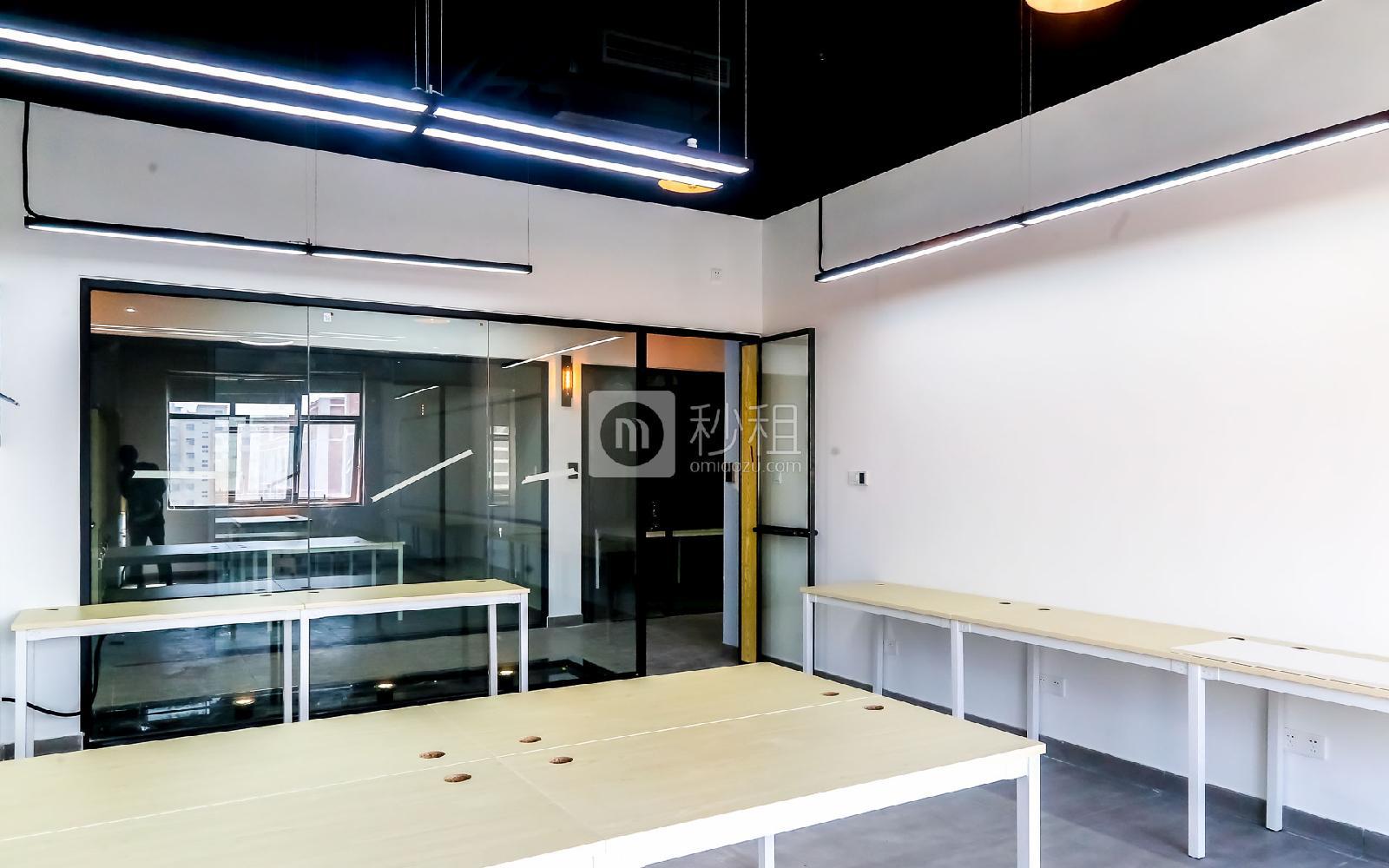硅谷大院写字楼出租59平米精装办公室7380元/间.月