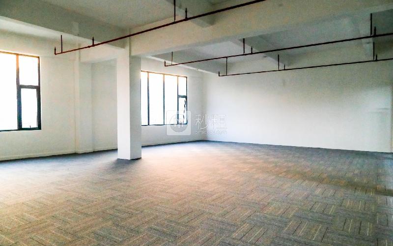 大众创业园写字楼出租414平米精装办公室41元/m².月