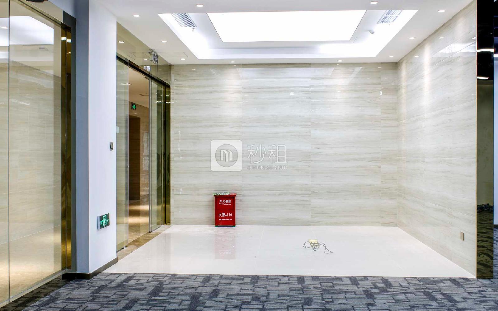 星河WORLD(二期)写字楼出租291平米精装办公室128元/m².月