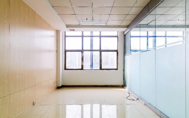 港之龙商务中心写字楼出租103平米精装办公室88元/m².月