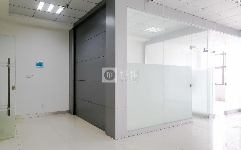 港之龙商务中心写字楼出租107平米精装办公室88元/m².月