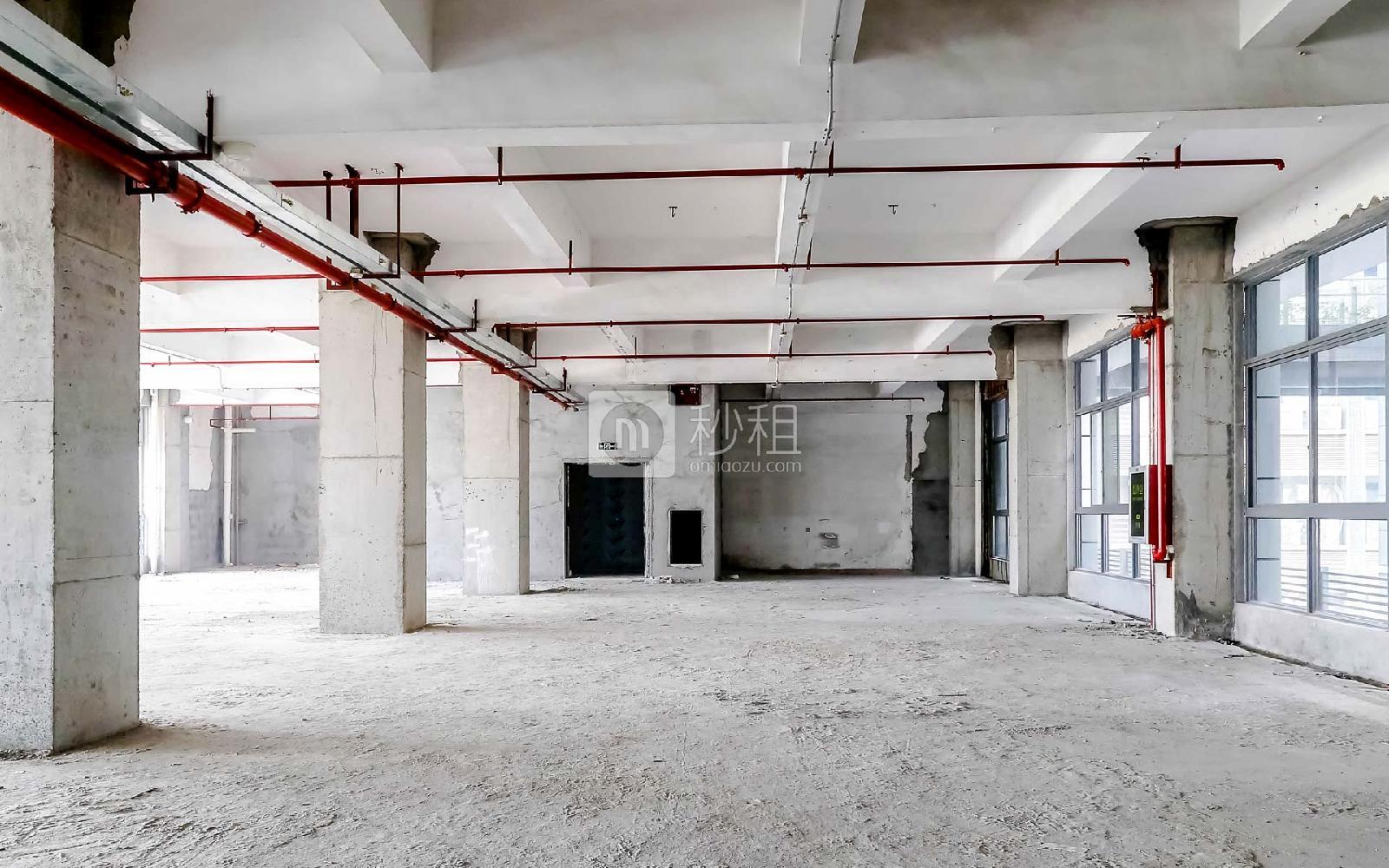 港之龙商务中心写字楼出租2045平米毛坯办公室60元/m².月