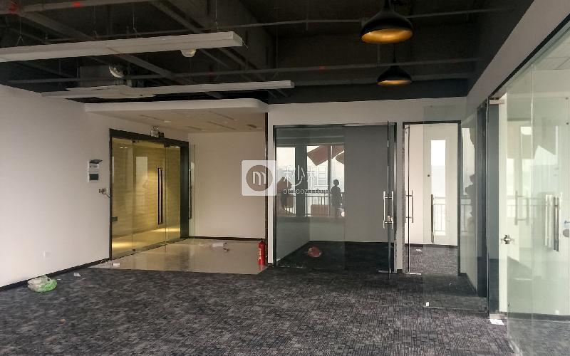 万国食品城写字楼出租120平米精装办公室65元/m².月