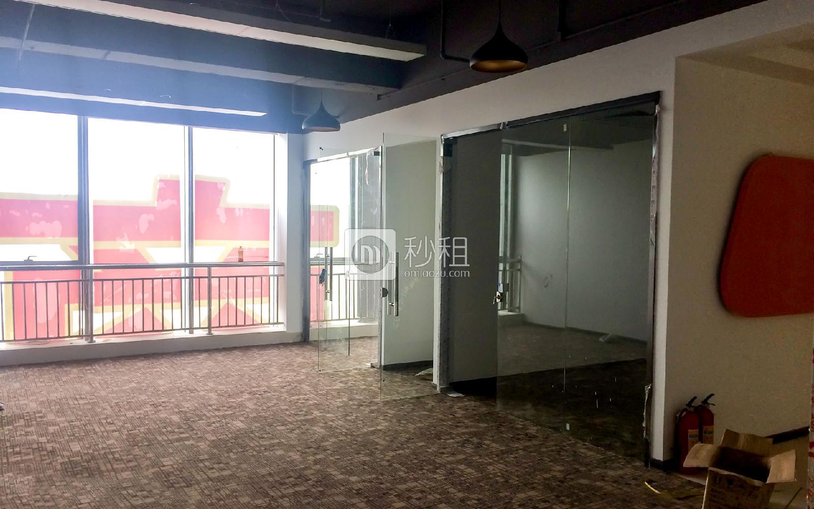 万国食品城写字楼出租290平米精装办公室70元/m².月