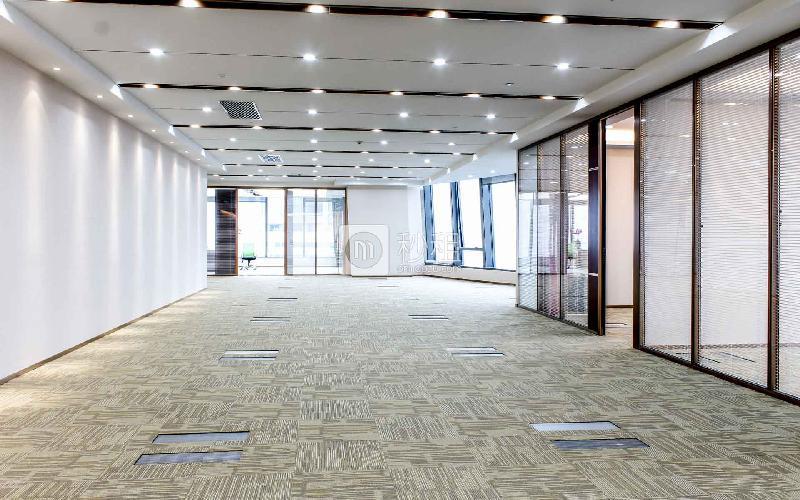 和黄世纪汇广场写字楼出租530平米精装办公室165元/m².月