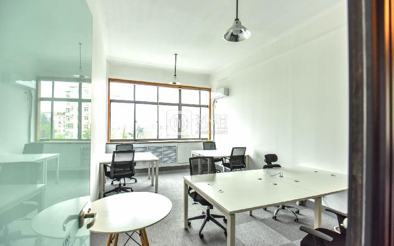 创客大街-邻客-LinkCampus写字楼出租45平米精装办公室4500元/间.月