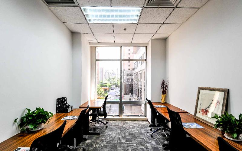 京汇大厦-世鳌国际商务中心写字楼出租30平米精装办公室20400元/间.月