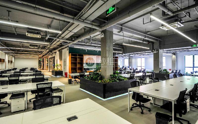 首开松榆里-梦想加写字楼出租5平米精装办公室1400元/工位.月
