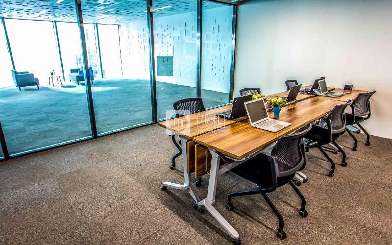 零售创新实验区-方糖小镇写字楼出租30平米精装办公室21000元/间.月