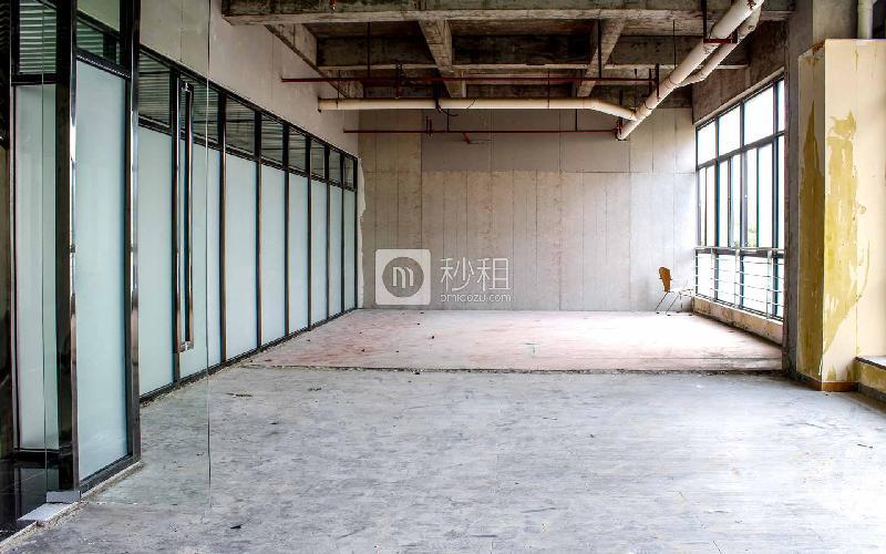 东方创业大厦写字楼出租126平米毛坯办公室35元/m².月