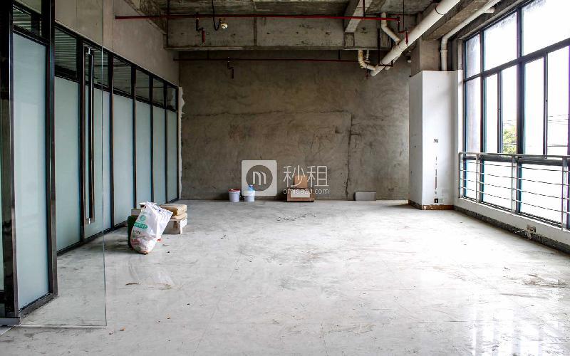 东方创业大厦写字楼出租128平米毛坯办公室35元/m².月