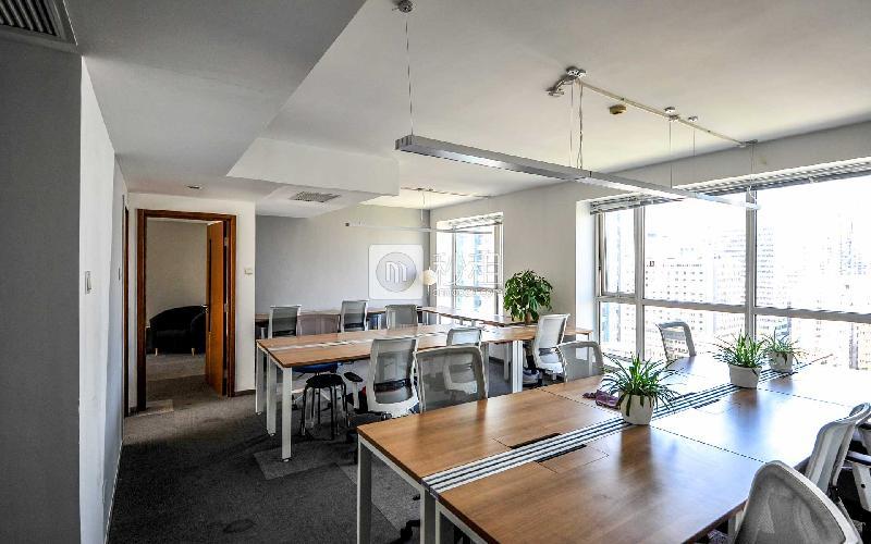 国贸万达广场-纳什空间写字楼出租126平米精装办公室32000元/月