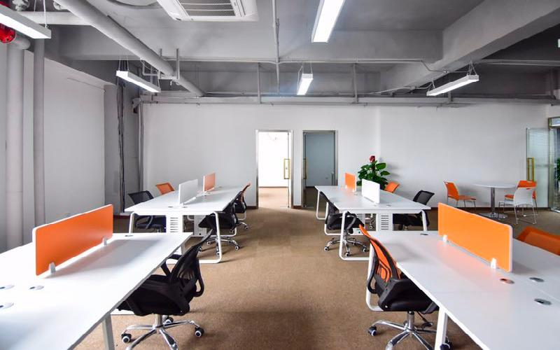 马家龙工业区写字楼出租173平米精装办公室47元/m².月