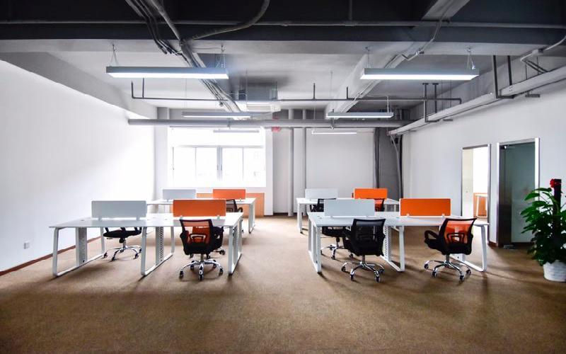 马家龙工业区写字楼出租165平米精装办公室47元/m².月