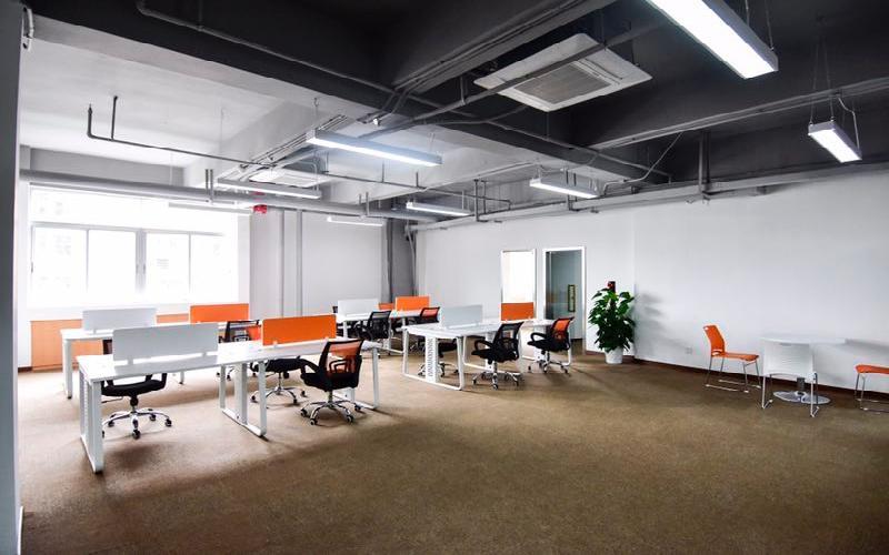 马家龙工业区写字楼出租329平米精装办公室47元/m².月