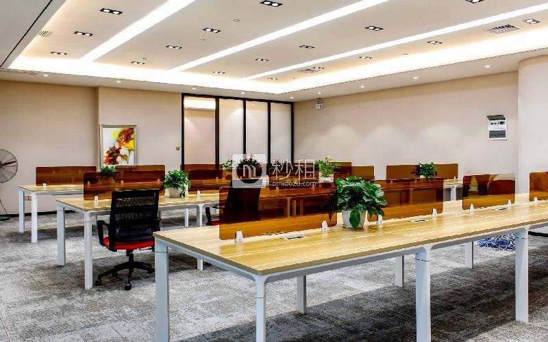 华安保险总部大厦-蚂蚁邦金融中心写字楼出租477平米精装办公室245元/m².月