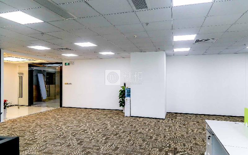 汇海广场写字楼出租646平米精装办公室85元/m².月