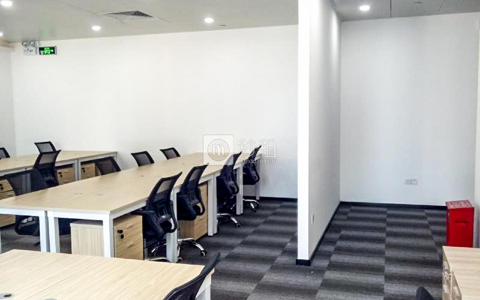 枫叶城市酒店-天信中心写字楼出租90平米简装办公室7900元/月