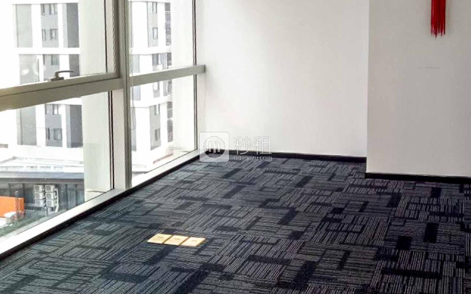 天信中心-枫叶城市酒店写字楼出租90平米精装办公室8500元/月