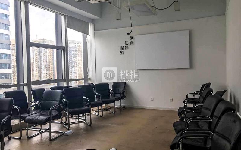 汉京国际大厦写字楼出租734平米精装办公室120元/m².月