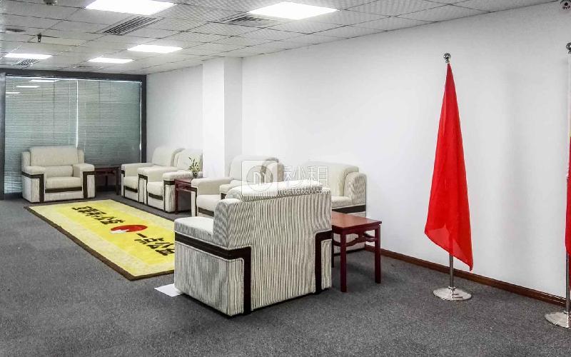 华瀚科技大厦写字楼出租279平米精装办公室68元/m².月