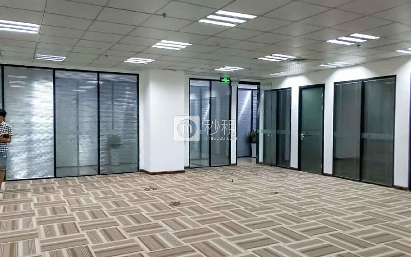 东方信息港写字楼出租207平米精装办公室80元/m².月