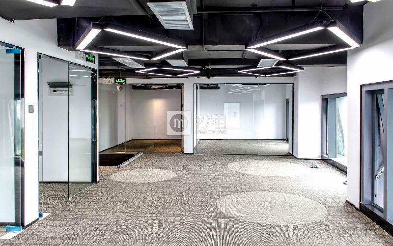 满京华·SOHO艺峦大厦写字楼出租193平米豪装办公室66元/m².月