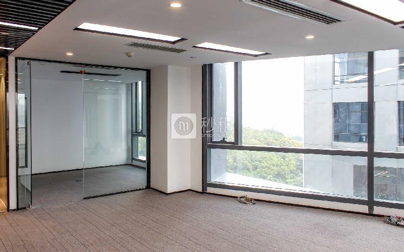 满京华·SOHO艺峦大厦写字楼出租129平米精装办公室75元/m².月