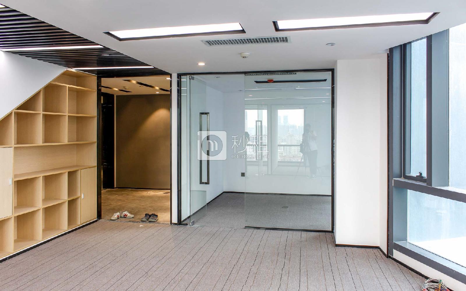 满京华·SOHO艺峦大厦写字楼出租193平米精装办公室70元/m².月