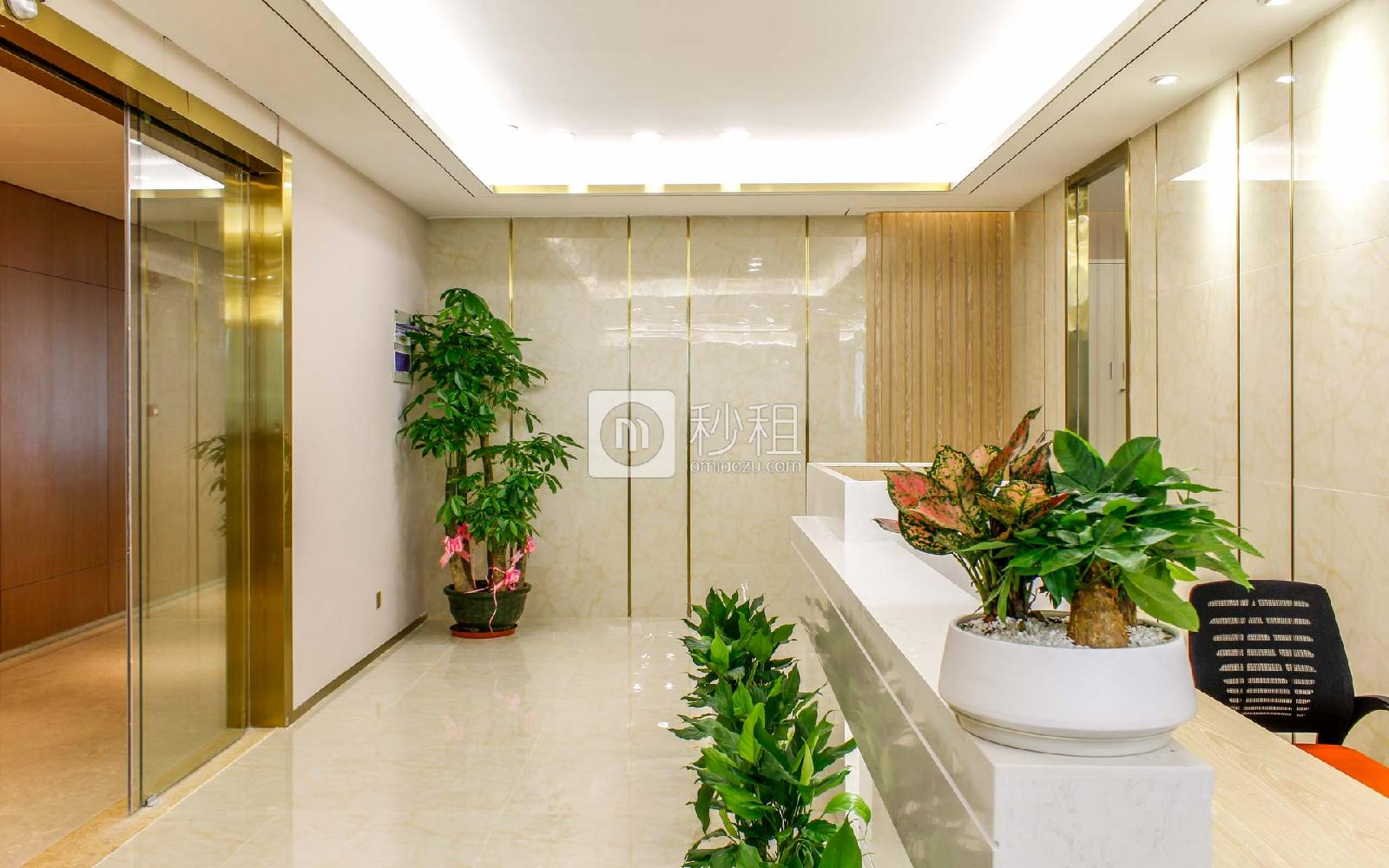 前海卓越宝中时代广场写字楼出租348平米精装办公室175元/m².月