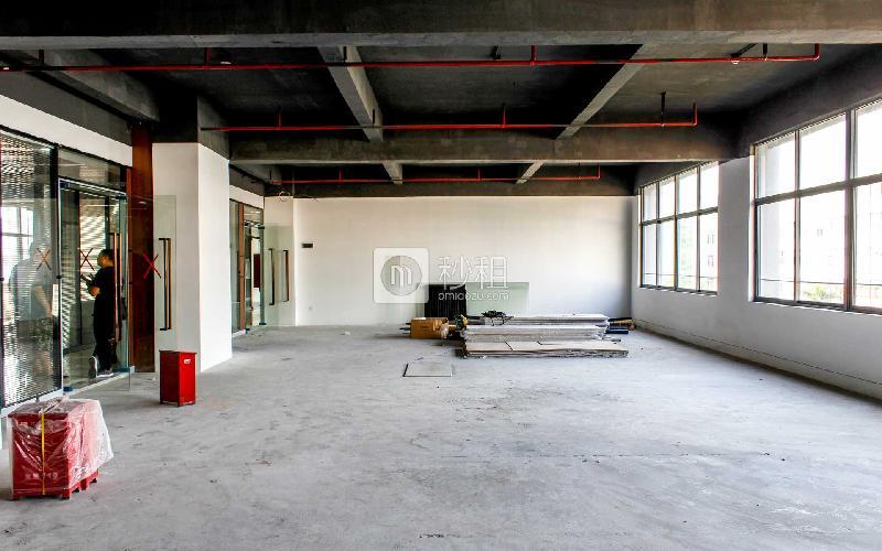 八卦岭工业区511栋写字楼出租359平米简装办公室85元/m².月