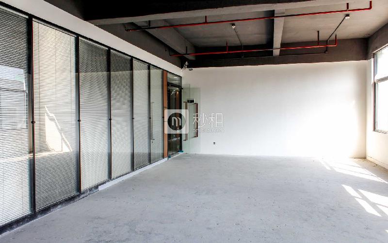 八卦岭工业区511栋写字楼出租150平米简装办公室85元/m².月