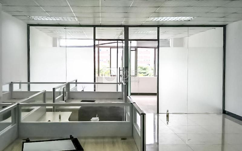 富裕顶大厦写字楼出租320平米精装办公室57元/m².月